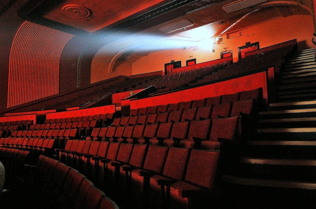 �Qu� medidas contra incendios debe haber en una sala de cine o centro de ocio?