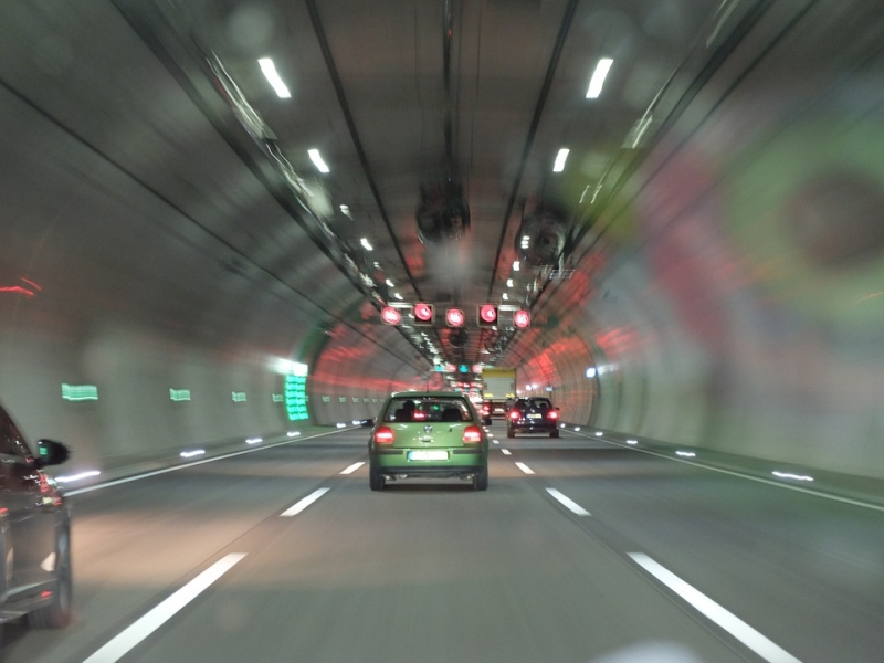 ¿Sabrías cómo actuar si ocurre un incendio o un accidente en un túnel?