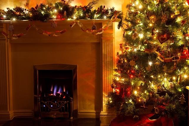 Evita incendios dom�sticos vigilando tu �rbol y adornos de Navidad